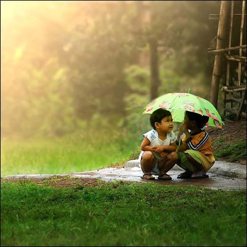 Hình ảnh tình bạn thuở ấu thơ
