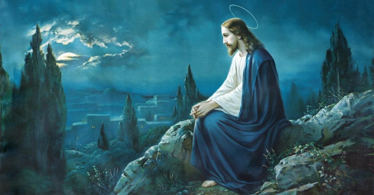 Chúa Giêsu trầm tư suy nghĩ dưới ánh trăng